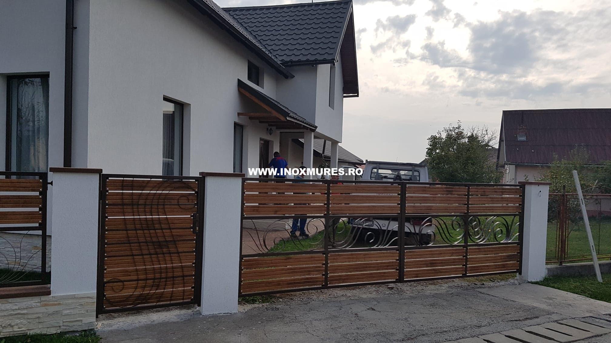 Gard din fier combinat cu lemn Rusi Munti, jud Mures 24.10.2018