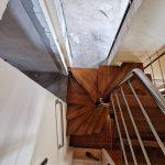 Scara pe structura din metal montata in Rusi-Munti